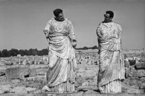 """Léonard et Pierre Gianadda en Syrie - Photo de Léonard Gianadda tirée de l'exposition actuelle: """"Méditerranée""""."""