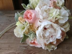 d46ece8c1ec0ae1232a6c871b4e0d95f_bouquet-mariee-2