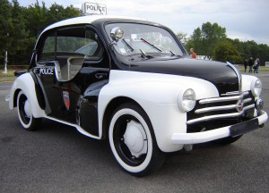 Renault_4CV_Pie,_Paris_Police